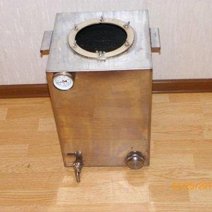Бак для перегонки объёмом 40 литров. Изготовлен из пищевой нержавейки толщиной 2мм.